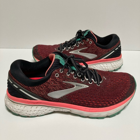 Brooks Shoes   Ghost 11 Womens Size 95